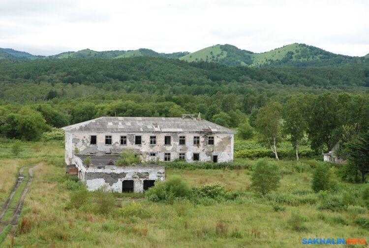Здание бывшей погранзаставы вКириллово