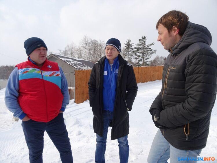 Слева— Владимир Максимов, справа— Максим Шибаров