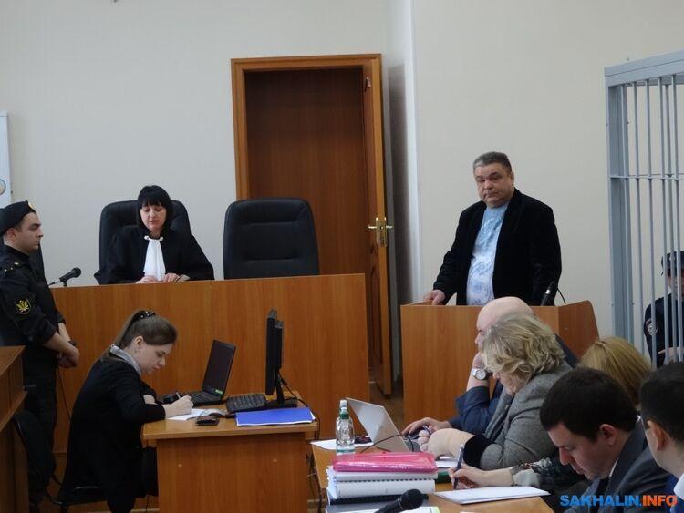 Анатолий Осадчий (справа)