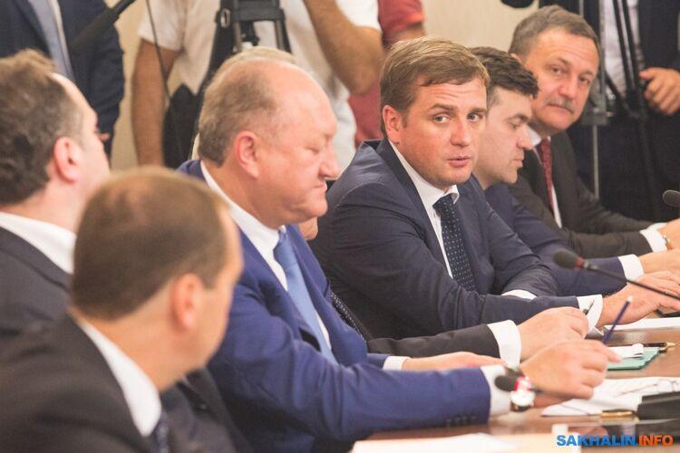 Илья Шестаков (третий справа)