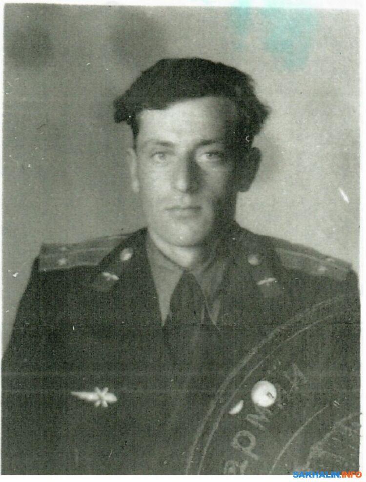 Летчик: старший лейтенант Реуцков Павел Сергеевич