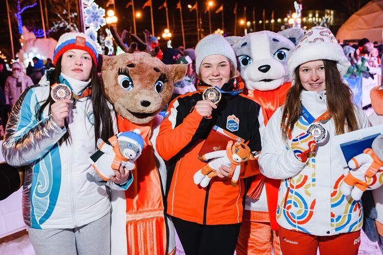 София Надыршина (в центре). Фото дирекции игр