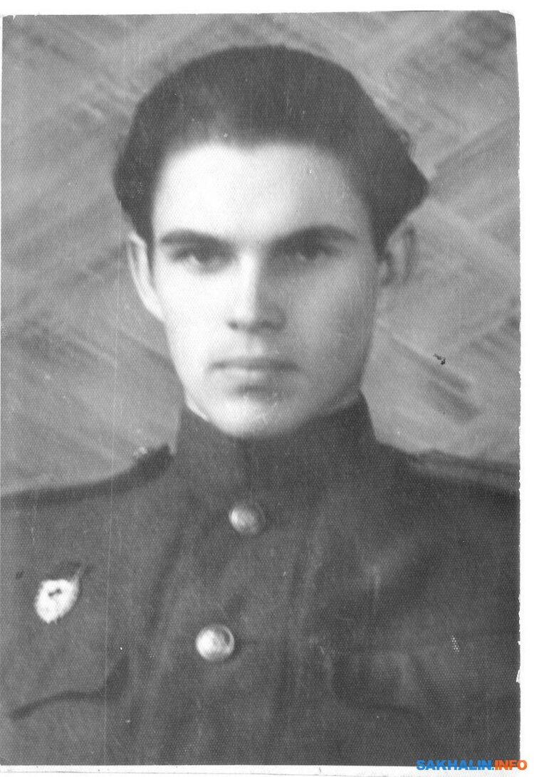 Начало 1945-го, вчерашний пионервожатый Владимир Аас— ужефронтовик (из личного архива вдовы ЗоиГеоргиевны Аас).