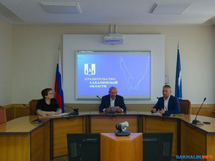 Евгений Михлик (справа)