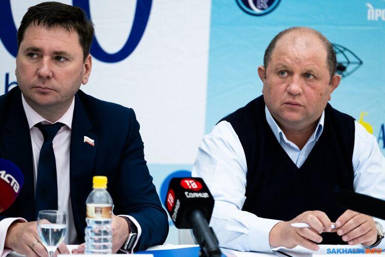 Дмитрий Пашов (справа)