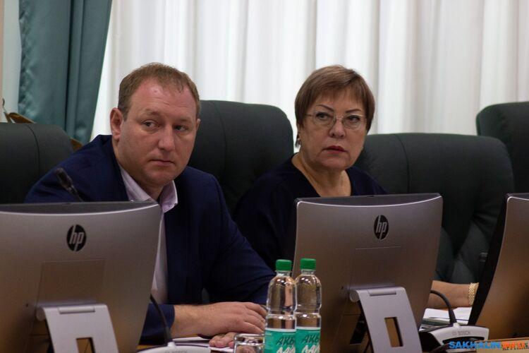 Наталья Коршунова (справа)