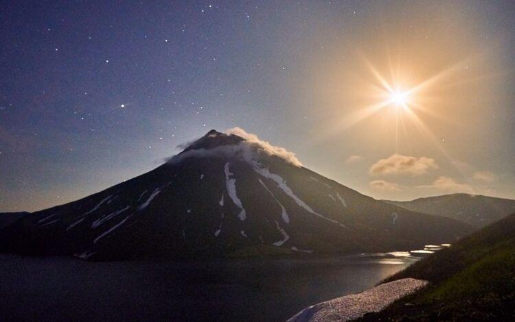 Вулкан Креницына. Фото Евгения Касперского