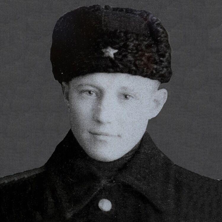 Пётр Караваев