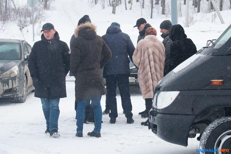 Видны лица зампреда Антона Зайцева иглавного архитектора Южно-Сахалинска Максима Ефанова