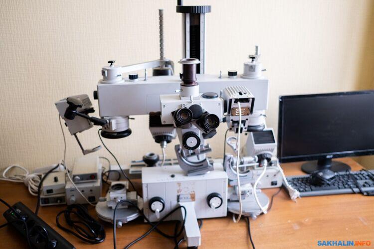 Микроскоп— одно изглавных орудий криминалиста