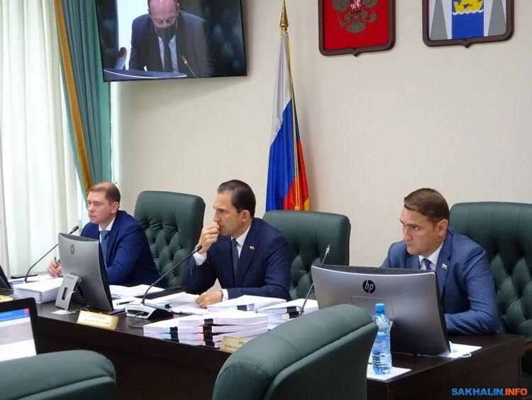 Александр Ивашов (справа)
