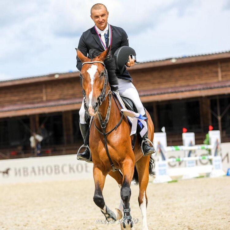 Сахалинец завоевал две золотые медали на чемпионате России по конкуру