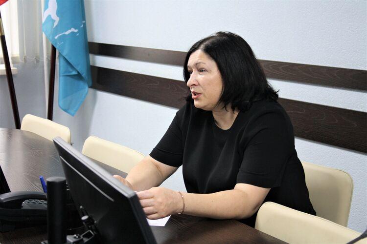 Елена Овчарова
