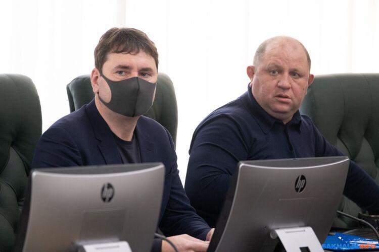 Максим Козлов (слева)