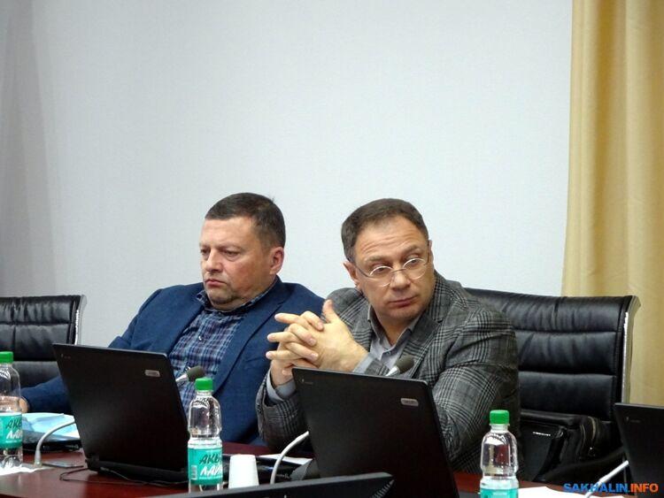 Игорь Логвинов (справа)