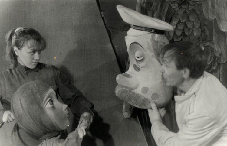 Из справки о работе театра в 1982 году. Директор Сахалинского областного театра кукол В. Шаповалов