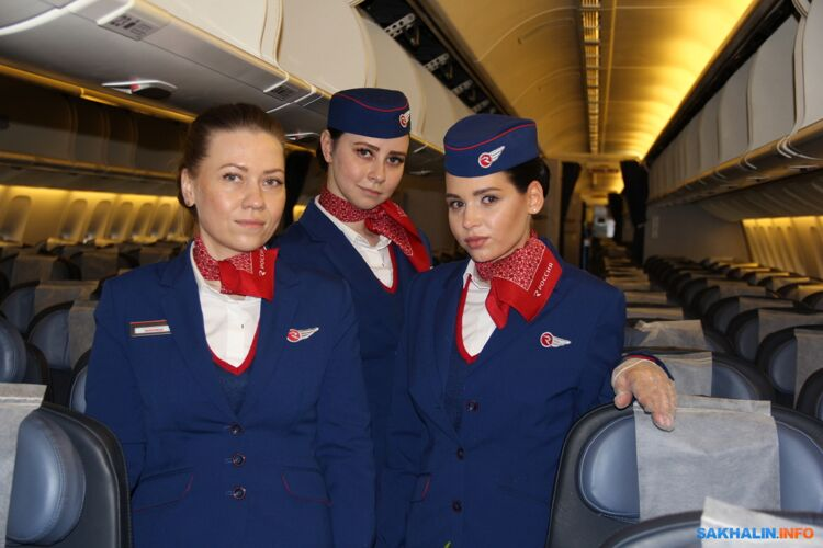 Бортпроводники «России» Марина, Анастасия и Ирина