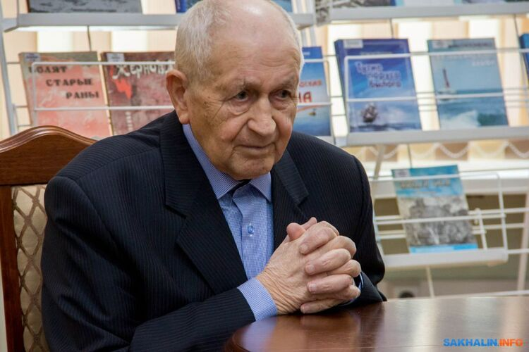 Константин Гапоненко