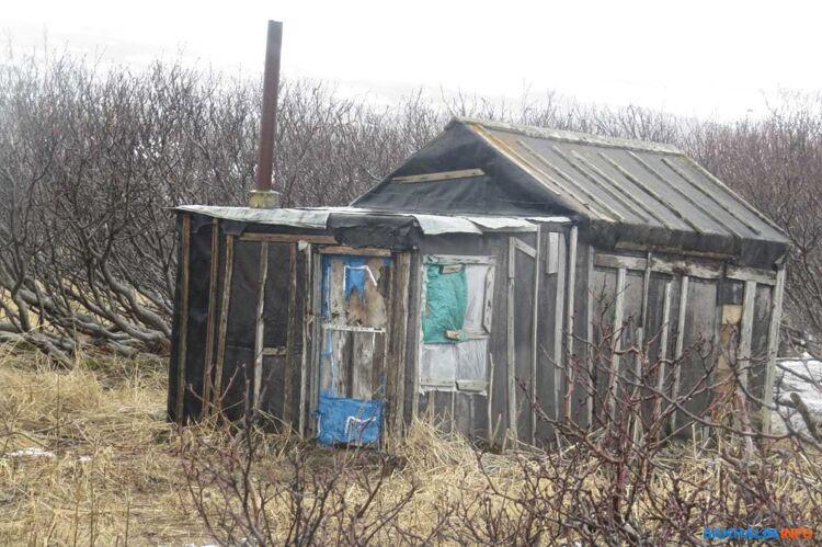 Мужчину обнаружили рядом с этим домиком. Вероятно, он не терялся. Фото соавтора Sakh.com