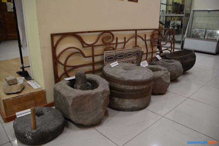 Каменные ступы в Уссурийском городском краеведческом музее