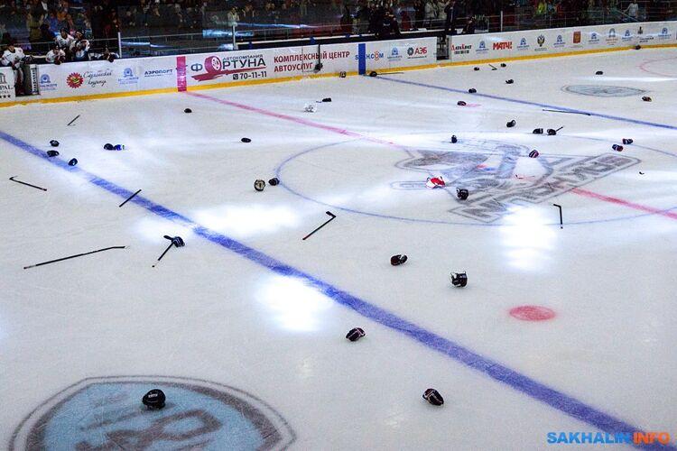 """Уже второй сезон не может играть  в Азиатской хоккейной лиге """"Сахалин"""" - соревнования перенесены до декабря"""