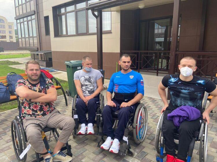 Сборная России по плаванию прилетела на Сахалин готовиться к Паралимпиаде