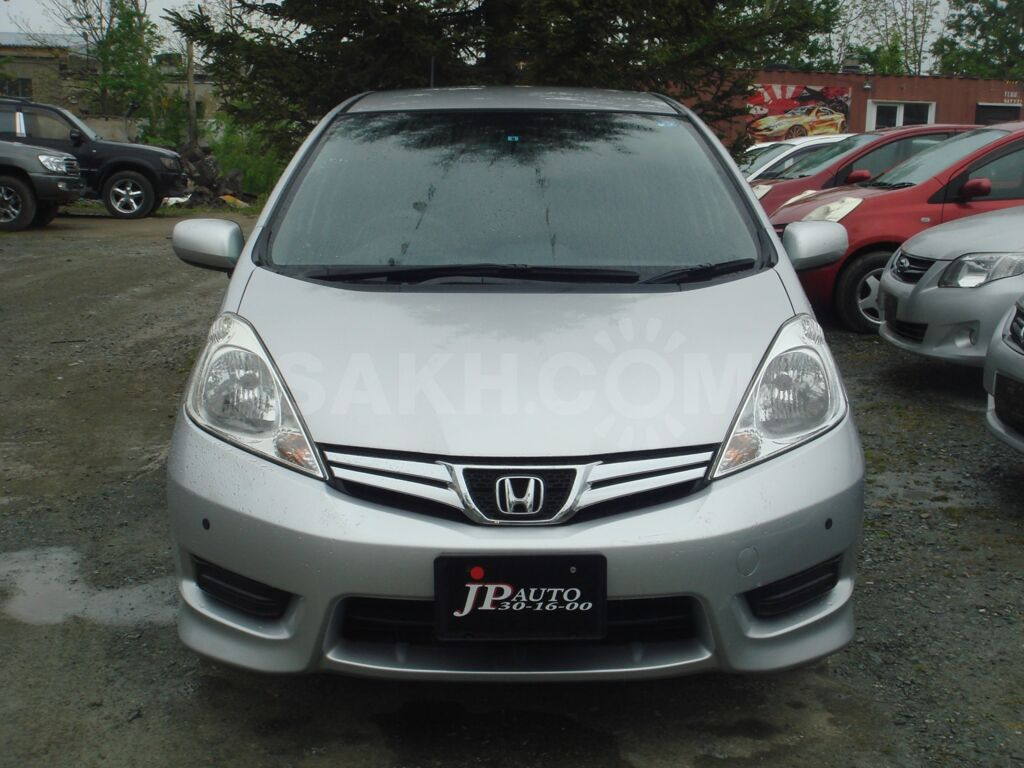 Honda Fit Shuttle, 2012