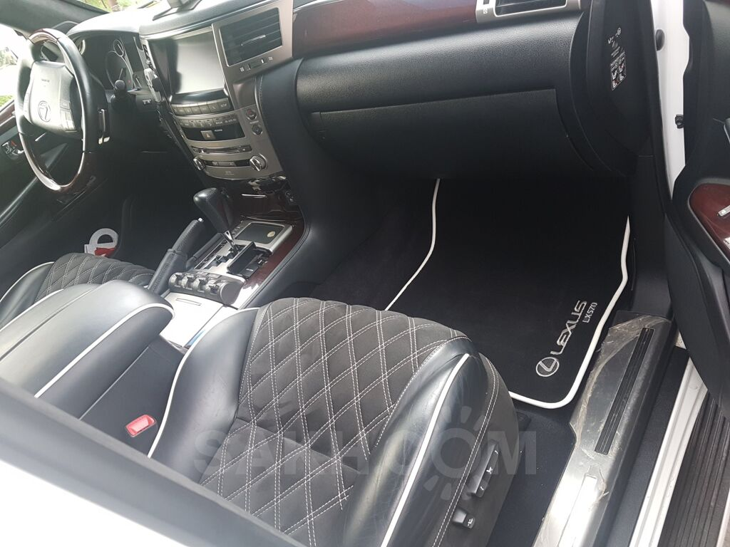 Lexus LX570, 2012