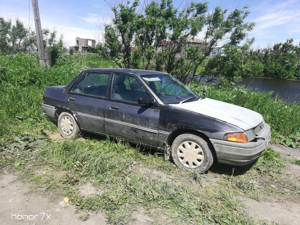 Ford Laser, 1992