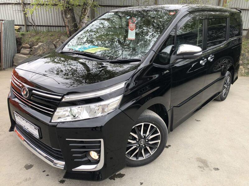 Toyota Voxy, 2015