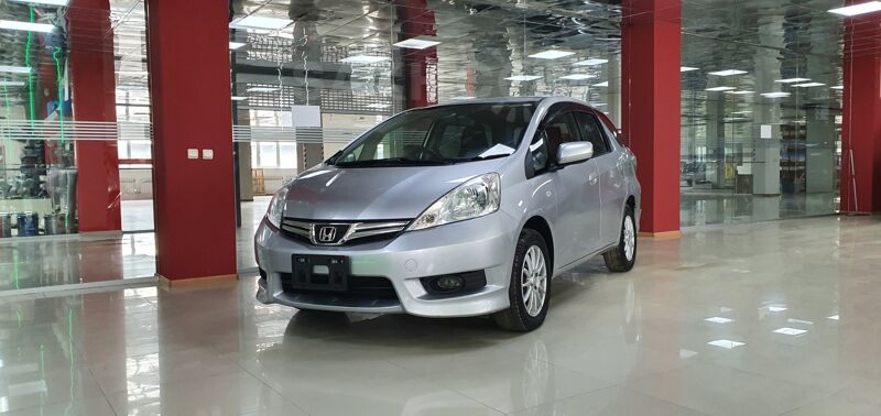 Honda Fit Shuttle, 2013