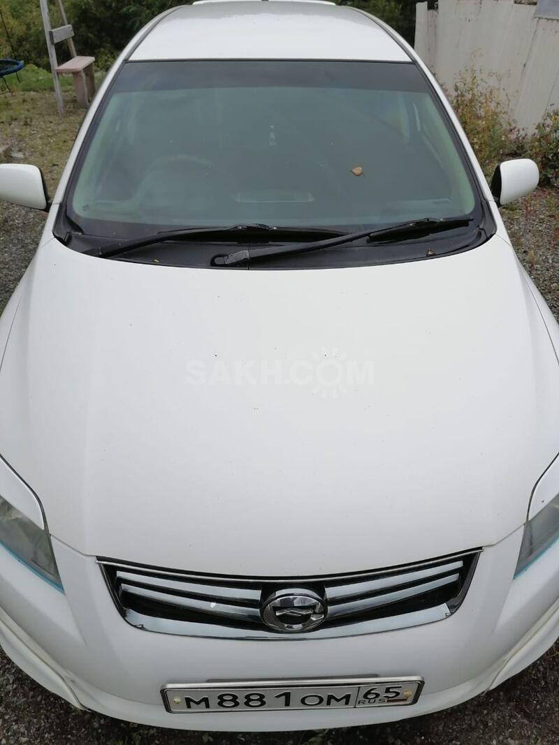 Toyota Corolla Fielder, 2010