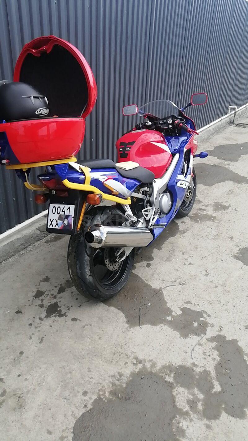 Honda CBR600, 2001