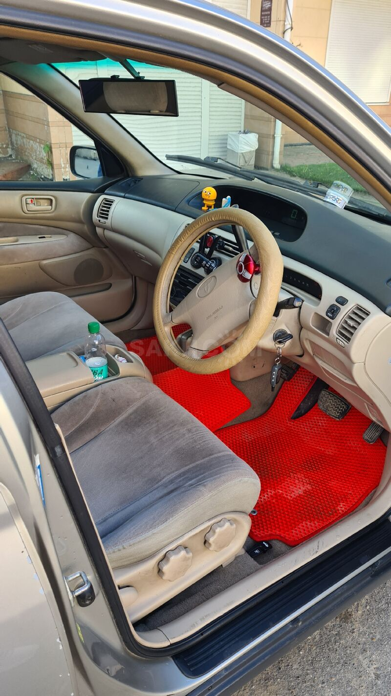 Toyota Vista, 2000