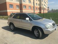 Toyota Harrier, 2001