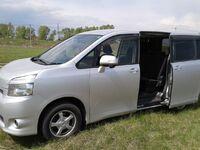 Toyota Voxy, 2010