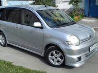 Toyota Sienta, 2004