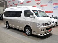 Toyota Grand Hiace, 2005