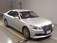 Toyota Crown, 2014