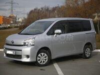 Toyota Voxy, 2011