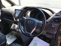 Toyota Voxy, 2016