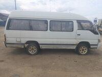 Nissan Caravan, 1987