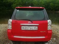 Toyota Raum, 2004