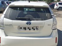 Toyota Prius Alpha, 2014