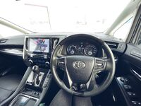 Toyota Alphard, 2015