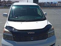 Toyota Voxy, 2001