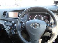 Toyota Isis, 2012