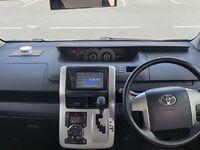 Toyota Noah, 2011