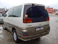 Nissan Elgrand, 1998
