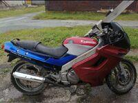 Kawasaki ZZR250, 1996